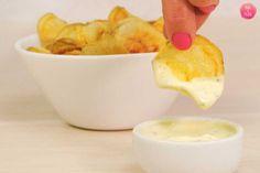 Chips de batata feitas na micro-ondas, w fica bem mesmo aberto.
