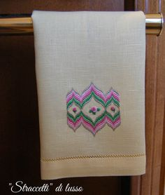 Bargello or flame stitch lavette Hardanger Embroidery, Needlepoint, Tatting, Towel, Stitch, Luxury, Handmade, Google, Ideas