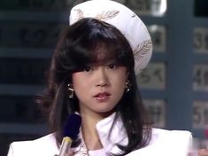 Kpop Fashion Outfits, Ulzzang Fashion, Old Fashion Image, Human Poses Reference, Hongkong, Aesthetic Hair, Japan Fashion, Hairstyles With Bangs, Girl Crushes