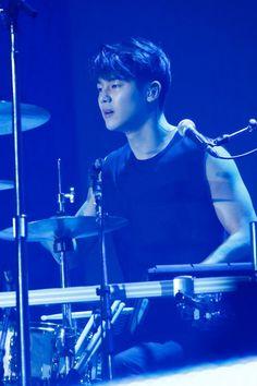 (13) Twitter Cnblue, Minhyuk, Kang Min Hyuk, Lee Jong Hyun, Jung Yong Hwa, Lee Jung, Krystal Jung, Drummer Boy, Pretty Boys