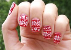 Christmas Nail art 2013 | Christmas nail design   snowflake 2 | Christmas nail design pictures | Christmas nail designs short nails.