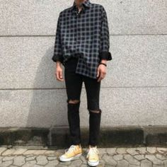 Attractive Mens Style Ideas For Men Looks More Cool 41 Nyjah Huston, The Heat, Outfits Primavera, Swag Outfits, Trendy Outfits, Festival Clothing Sets, Vans Converse, Nike Free, Best Casual Shirts