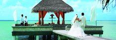 As ilhas maldivas se tornaram um dos destinos mais procurados por noivos que querem luxo, vista paradisíaca e o relax de ficar com o pé na areia
