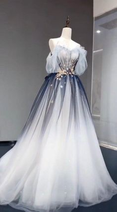 Ombre Prom Dresses, Pretty Prom Dresses, Quinceanera Dresses, Elegant Dresses, Beautiful Dresses, Formal Dresses, Wedding Dresses, Long Dresses, Simple Dresses