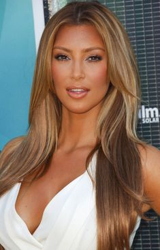 kimkardashian fans: Kim Kardashian in Dark Blonde Hairstyle If I ever went blonde again.