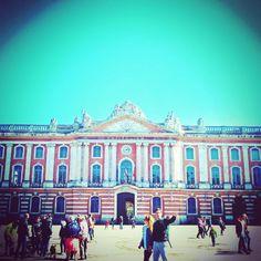 Instagram - Boudu Toulouse #boudutoulouse #visiteztoulouse #toulouse #city #capitole