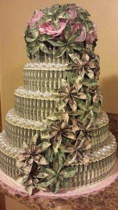 Money Cake by Mary Lyles Geldkuchen von Mary Lyles Money Birthday Cake, Money Cake, Money Lei, Money Origami, Birthday Gifts, 16th Birthday, Homemade Gifts, Diy Gifts, Creative Money Gifts
