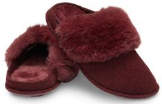 Classic Luxe Lined Slipper Faux Fur Collar, Fur Collars, Clog Slippers, Crocs Classic, Burgundy, Sandals, Slippers, Luxury, Shoes Sandals