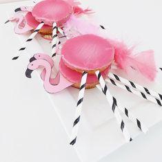 Ideas For Baby Girl Birthday Cake Baking Birthday Party Snacks, Birthday Diy, Flamingo Birthday, Flamingo Party, Diy Birthday Decorations, Party Decoration, Baby Girl Birthday Cake, Tattoo For Baby Girl, Birthday Gifts For Boyfriend Diy