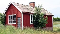 The traditional, deep red pigment of Swedish barns and cottages is called Falun Red (or Falu Röd.) The paint originates from the Falun copper mines of Dalarma, Sweden and is composed of copper, zinc,. Wooden Cottage, Old Cottage, Swedish Style, Swedish House, Scandinavian Cabin, Honeymoon Cottages, Small Buildings, Small Houses, Tiny House