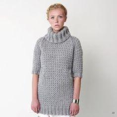 Вяжем спицами джемпер платье с рукавом реглан патентной резинкой http://vjazhi.ru/jenskaya-vyazanaya-odejda-s-opisaniem/pulovery/dzhemper-plate-bernat-patentnoj-rezinkoj.html