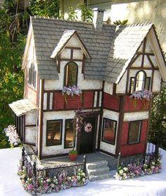 Dollhouses by Robin Carey: The English Tudor Dollhouse