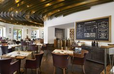 Dstrikt Steakhouse, located at The Ritz-Carlton, Vienna in the city centre, serves farm-to-table cuisine with locally sourced produce, wine and beer. Great Steak, Hotels And Resorts, Dining, Luxury, Interior, Modern, Table, Furniture, Home Decor