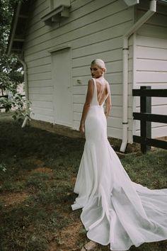 Summer Wedding Dresses Bespoke by Karen Willis Holmes Bridal Karen Willis Holmes, Western Wedding Dresses, Modest Wedding Dresses, Designer Wedding Dresses, Maxi Dresses, Elegant Dresses, Timeless Wedding Dresses, Pretty Dresses, Relaxed Wedding Dress