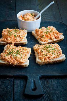 Mrkvová pomazánka Healthy Cooking, Healthy Snacks, Cooking Recipes, Vegetarian Recipes, Healthy Recipes, Good Food, Yummy Food, Czech Recipes, Yummy Appetizers