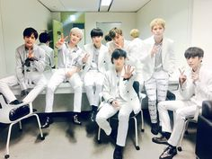 [#MONSTA_X] 170405 #MonstaX #Beautiful   MBC MUSIC #ShowChampion stage completed    Thanks for cheering for us even on a rainy day!   Monbebes thank you     translated by fymonsta-x ϟ