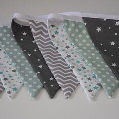 Guirlande fanions en tissu - décoration chambre garçon - tons gris, mint et blanc