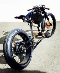 Custom Cruiser E-bikes by Innovative French Cycle lover - Motos - Bike Cool Bicycles, Cool Bikes, E Skate, Motorised Bike, Power Bike, Drift Trike, Motorized Bicycle, Chopper Bike, Fat Bike