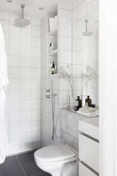 The Sleek and Stylish Wet Rooms for a Trendy Look! Bad Inspiration, Bathroom Inspiration, Small Wet Room, Boho Deco, Tiny Bathrooms, Bathroom Showers, Wet Rooms, Simple Bathroom, Bathroom Interior Design