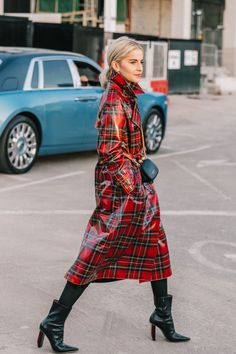 26 Street Style Outfit You Will Want To Try - Fashion Owner Street Style 2018, Look Street Style, Autumn Street Style, Street Styles, Fashion 2018, Fashion Week, London Fashion, Fashion Fashion, Workwear Fashion