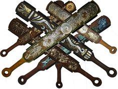 Macuahuitl - The Wooden Sword of Aztec Offensive Weapons: Macahuitl… Aztec Weapons, Aztecas Art, Close Quarters Combat, Ancient Aztecs, Aztec Warrior, Mesoamerican, Inca, Fantasy Weapons, Mexican Art