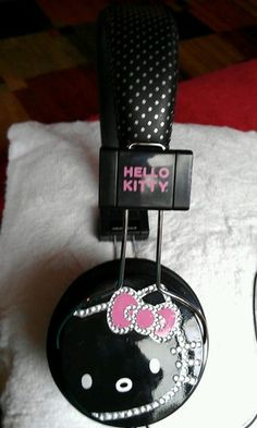 Hello kitty Headphones Headset Earphones stereo high quality used only once!