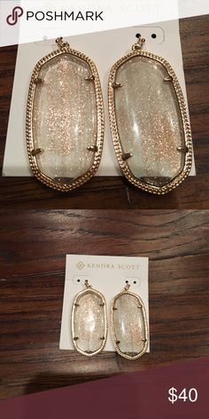 Kendra Scott light brown shimmer earrings! These earrings have a gorgeous subtle shimmer! Perfect summer earrings that go with so much! Worn once Jewelry Earrings