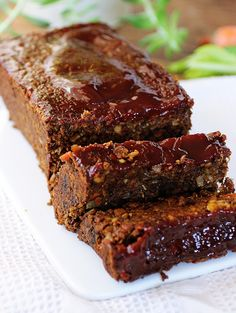 Loaf Lentil Loaf Lentil and Veggie Loaf Slathered in BBQ Sauce!Lentil Loaf Lentil and Veggie Loaf Slathered in BBQ Sauce! Vegetarian Meatloaf, Vegan Vegetarian, Vegetarian Recipes, Vegetarian Dinners, Vegan Lentil Recipes, Veggie Meals, Vegan Dinner Recipes, Veg Recipes, Cooking Recipes