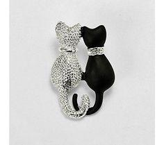 Brošňa mačka | blancheporte.sk #blancheporte #blancheporteSK #blancheporte_sk #vianoce #darcek #prezeny #moda Bottle Opener, Tatting, Key Bottle Opener, Lace Making, Needle Tatting