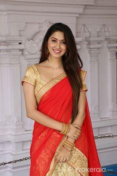 Beauty Galore HD : Eshanya Maheswari Hot Navel In Half Saree In The Mahurat Red Mini Skirt, Short Mini Dress, Kareena Kapoor, Priyanka Chopra, Half Saree Function, Burgundy Gown, Punjabi Models, Sari Design, Lovely Girl Image