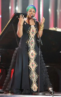 File:Nobel Peace Prize Concert 2010 India Arie IMG 7345.jpg @Simpson /Simpson