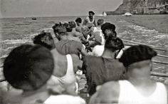 Preciosa foto de Ricardo Martin. Traineras en 1934.  Foto/Kutxateka /Foto Car/ Ricardo Martin. Publicado por Mariona Tella