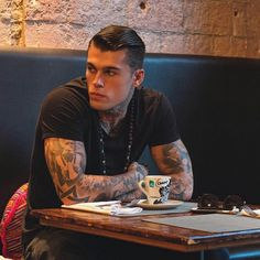 Image about model in 😍❤️Stephen James🤤🌸❤️ by AlissaMaria James Stephen, James D'arcy, Mafia, Hot Guys Tattoos, Girls Series, Photos Of The Week, Cute Guys, Pretty Guys, Big Guys