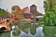 Hangman Bridge Nuremberg,  Herbststimmung am Henkersteg in Nürnberg Autumn atmosphere at the hangman's bridge Nuremberg / Germany