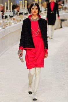 Chanel Pre-Fall 2012 Fashion Show - Jacquelyn Jablonski (Elite)