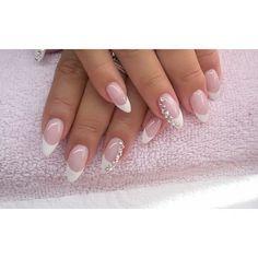 French :) #semilac #diamondcosmetics #ilovesemilac #nailart #nails #hybryda #hybrid #manicure #mani #paznokcie #french #swarovski #acrylicnails #paznokcieakrylowe