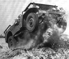The great power of a JEEP! Ww2 Pictures, Military Pictures, Old Jeep, Jeep 4x4, Military Jeep, Military Vehicles, Jeep Willis, Jeepney, Jeep Wave
