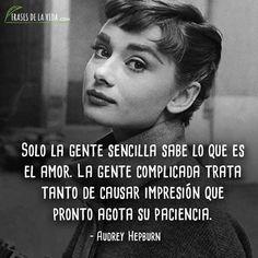 Audrey Hepburn, Great Woman Quotes, Positive Quotes, Motivational Quotes, Claudia Lars, Genius Quotes, New Me, Sentences, Life Quotes