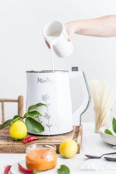 Prepara tus Salsas con MioMat! Kettle, Kitchen Appliances, Chowders, Recipes, Veggies, Pour Over Kettle, Kitchen Tools, Teapot, Home Appliances