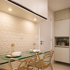 Cozinha | cozinha neutra, mas cheia de charme! Projeto @fabricaarquitetura ✨ 📸 @thiagolfreire #fabricaarquitetura #arquitetura #design #interiores #instadecor #architecture #recife