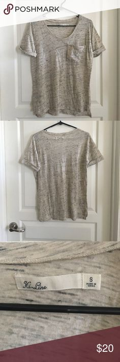Madewell Hi-Line Pocket T-Shirt Sz Small Scoopneck tee with cuffed sleeves. Has chest pocket with gold zipper detail. Cotton/wool/polyester. Space dyed in beige, black and grey. Good condition. No rips, tears or stains. No trades or PayPal. Madewell Tops Tees - Short Sleeve