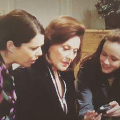 Morgen ist es soweit. Die neuen Folgen Gilmore Girls kommen auf @netflixde. Über das Verhältnis der Gilmores und mich hab ich mal gebloggt und stelle euch das Buch von @buchkolumne vor. #gilmoregirls #streamteam #elternblog #familienblog