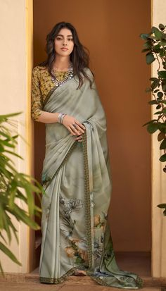 Abstract Floral Printed Saree Mauritius Online Shopping Saree Fabric: Summer Crape Type: Printed Blouse: Included Occasion: Casual, Evening Out Saree Wearing Styles, Saree Styles, Trendy Sarees, Stylish Sarees, Simple Sarees, Saree Blouse Patterns, Saree Blouse Designs, Lehenga Designs, Sari Bollywood