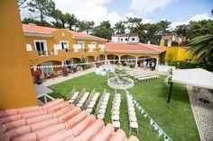 Fountain Garden Wedding Reception in Hotel Senhora da Guia Photo by Catarina Zimbarra Photography  #weddinginportugal #weddingvenuebytheseaportugal #weddingdestinationinportugal #destinationweddingsinportugal