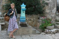 Trench Collection by Sonia Verardo: Lace lilac dress, and exploring the town of Moscen...