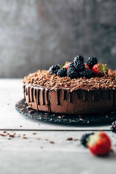 This is THE Chocolate Mousse Cake recipe. Soft and moist chocolate cake layer topped with super creamy chocolate mousse and soft chocolate ganache. Chocolate Mousse Cake Recipe by Also The Crumbs Please desserts Chocolate Mousse Cake, Chocolate Desserts, Easy Desserts, Delicious Desserts, Gourmet Desserts, Plated Desserts, Cupcake Recipes, Dessert Recipes, Cupcake Ideas