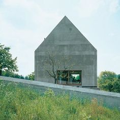 Project 128: House in Leymen by Herzog de Meuron in Leymen, France, 1997.⠀  .⠀  Photo by Herzog de Meuron⠀  .⠀  #concrete #art #arch #design #sculpture #home #france #leymen