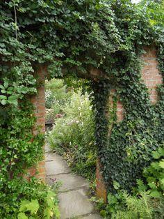 Anemone Times: Hidcote Manor
