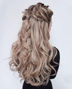 Mermaid Hairstyles The Perfect Mermaid Hairstyle Mermaid Hair Trends  Pinterest