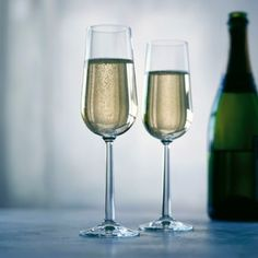 Rosendahl Grand Cru Champagne Glasses http://www.entrepo.co.za/product/grand-cru-champagne-glasses-set-of-2/